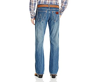 Wrangler Men's Retro Edition Relaxed Fit Boot Cut Jean