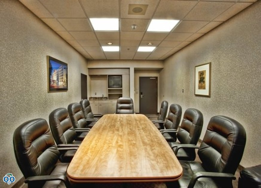 Boardroom, Humphry Inn & Suites