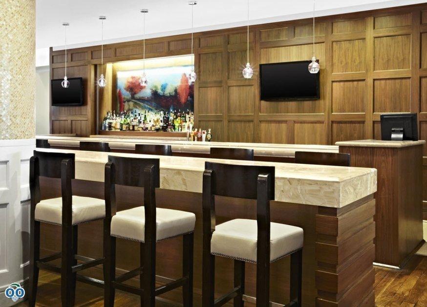 Salon et bar de spiritueux, Sheraton Parkway Toronto