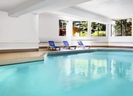 Indoor pool, Sheraton Parkway Toronto