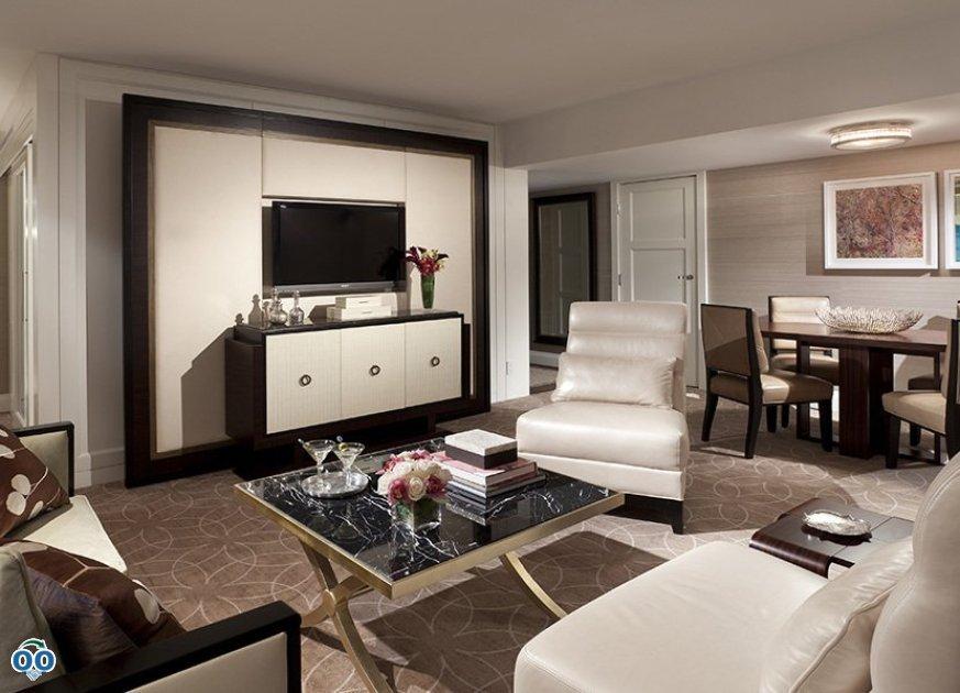 Executive one-bedroom suite, Rosewood Hotel Georgie