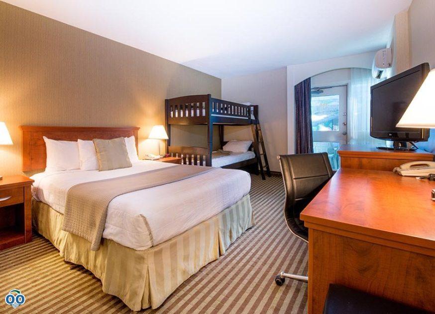 Guest room, Victoria Inn Hotel & Convention Centre