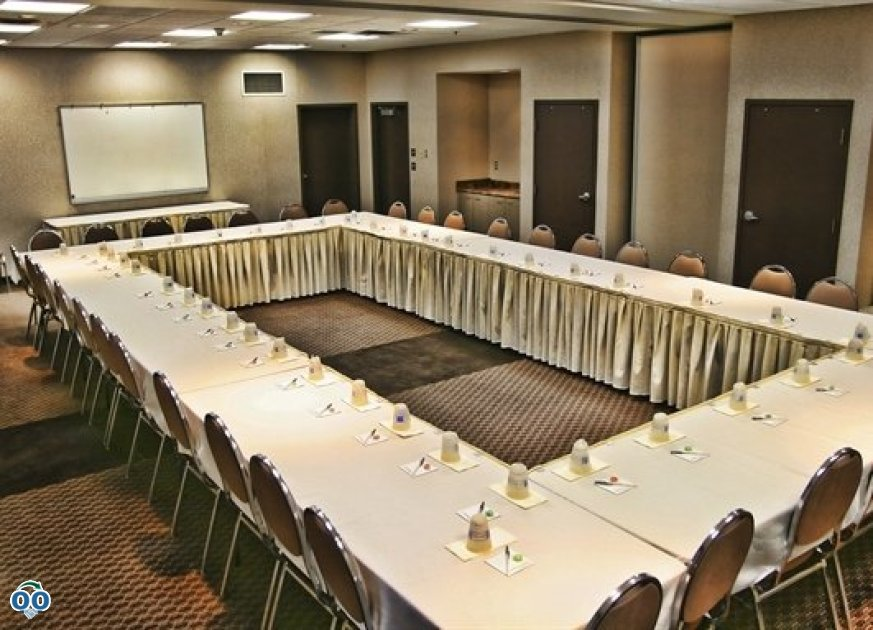 Forks room, Humphry Inn & Suites