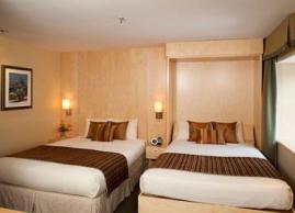 Deluxe room with 2 queen size beds + Murphy bed, Hotel du Vieux-Quebec
