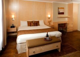 Superior room with one king bed + gas fireplace, Hotel du Vieux-Quebec