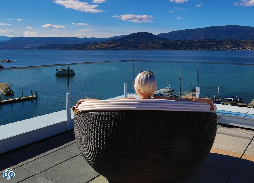 Enjoying the lake view, Hotel Eldorado Kelowna