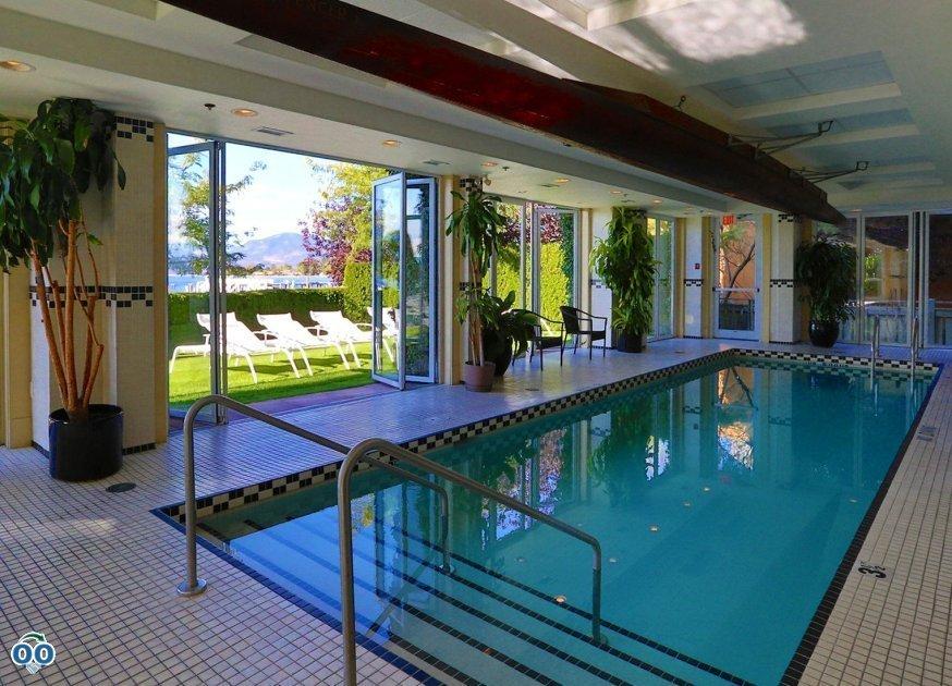 Swimming pool, Hotel Eldorado Kelowna