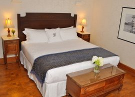 These guestroom feature spectacular lake views, a private bathroom & balcony