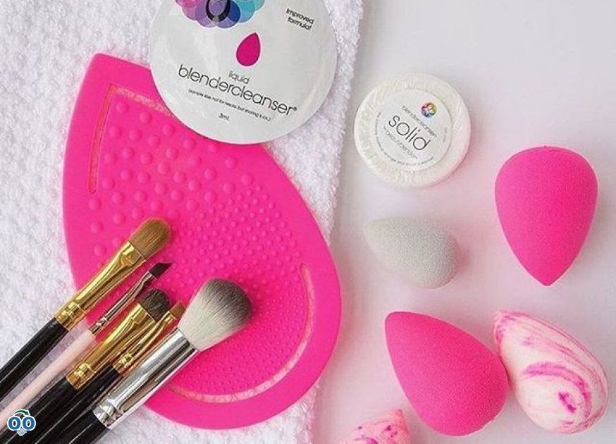 An ideal kit that makes it easy to clean your beauty blender or brushes