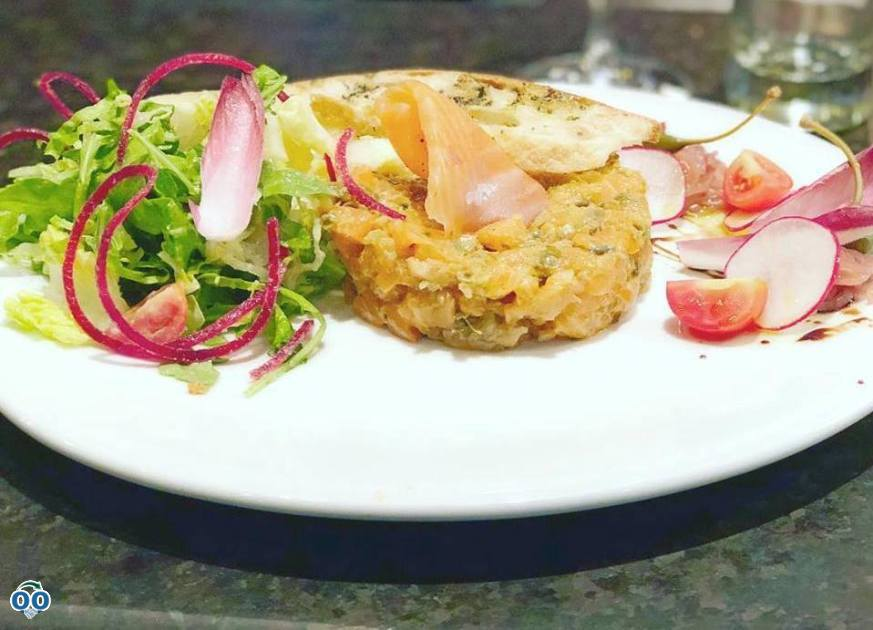 Salmon tartare, Chez Leveque