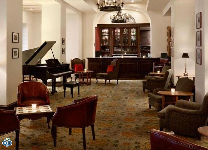 La brise lobby bar, Fairmont Le Manoir Richelieu