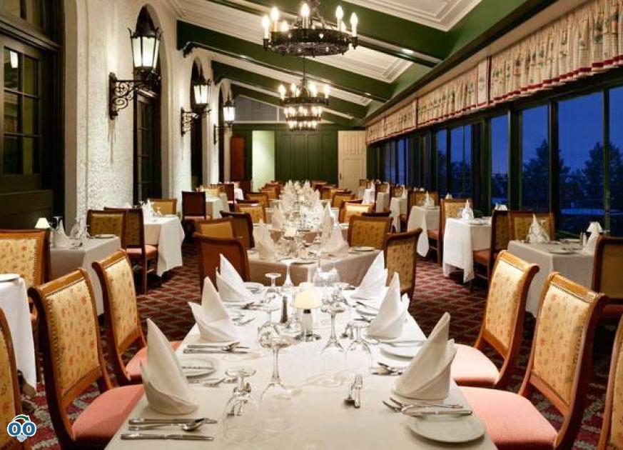 Le Saint-Laurent restaurant, Fairmont Le Manoir Richelieu