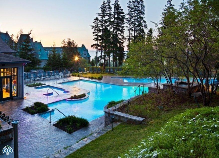 Outdoor swimming pool, Fairmont Le Manoir Richelieu