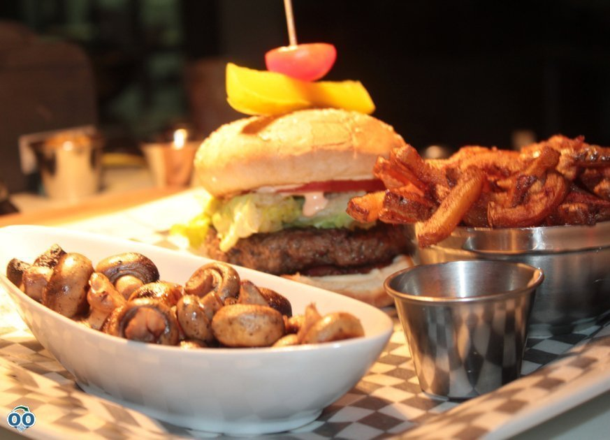 Burger champignons frites
