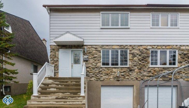 Maison à étages à vendre 826 Ch. du Sablon Chomedey (Laval)