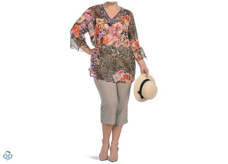 Tunic blouse in veil printed capri with detail of hook the bottom&straw hat