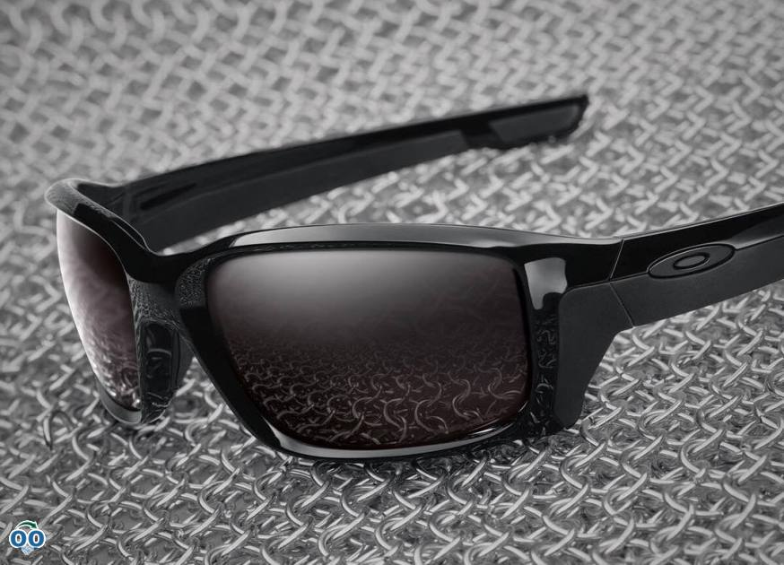 Straight-out performance the new Oakley straightlink collection.
