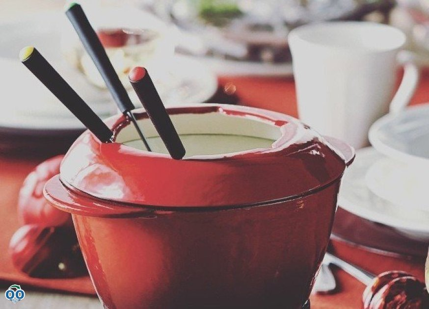 Find any excuse to have fondue - let the start of the holidays be this one!