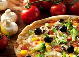 Top pizza with vegetables